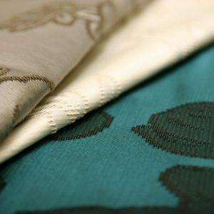 Жаккард: історія і властивості тканини