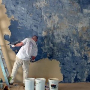 Розпис стін: штукатурка, шпалери або ж полотно?
