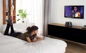 Висота установки телевізора в спальні