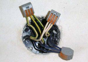 З'єднання проводів в розподільній коробці