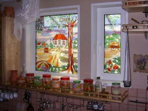 Перетворюємо звичайне пластикове вікно в декоративне