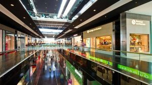 Особливості освітлення складських і торгових площ