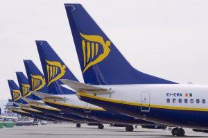 Перші польоти авіакомпанії Ryanair стартували! Куди можна полетіти від 15 євро?